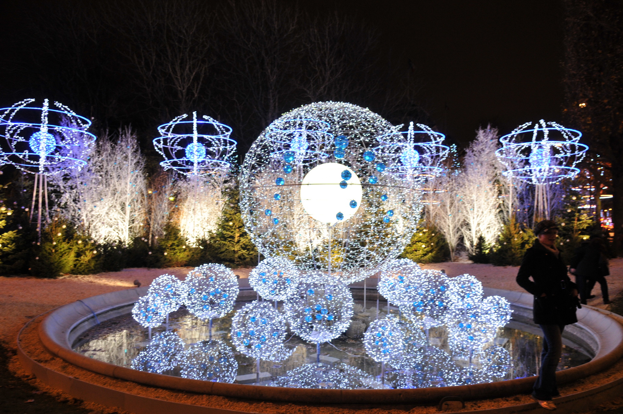 #6C3A24 Champs Elyséee 2012 Christmas Pinterest Champs 5365 decorations de noel champs elysees 2048x1360 px @ aertt.com